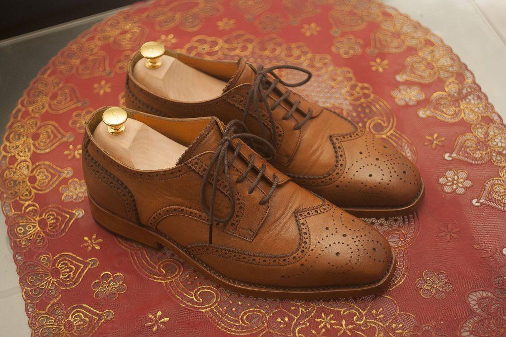 Verzierter Derby-Schuh